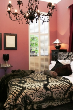 Bedroom on Black Chandeliers      Design Indulgences