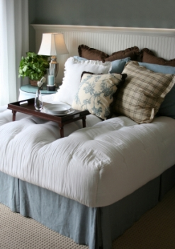 Choosing Paint Color for a Blue Bedroom